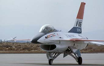 General Dynamics YF-16A Fighting Falcon 75-0475 at Edwards Air Force Base on November 13, 1977