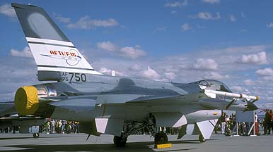 General Dynamics AFTI YF-16A Fighting Falcon 75-0750 at Edwards Air Force Base on October 23, 1982