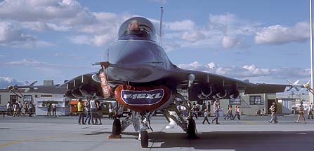 General Dynamics F-16XL/A Fighting Falcon 75-0749 at Edwards Air Force Base on October 23, 1982