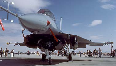 General Dynamics F-16XL/B Fighting Falcon 75-0747 at Edwards Air Force Base on October 30, 1983