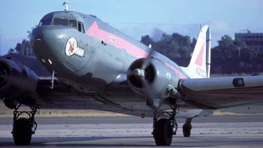 DC-3, N25CE Puff, Santa Barbara Airport, October 1985