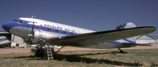 DC-3A N45366, Tracy, California Municipal Airport, June 25, 1993