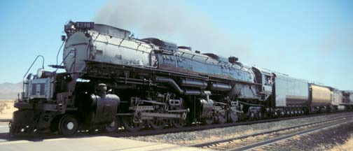 Union Pacific Challenger No. 3985 entering the Yermo rail yard.