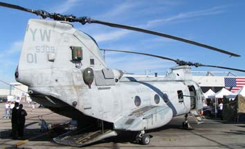 Boeing-Vertol CH-46F Sea Knight, 155309 #01 of HMM-165