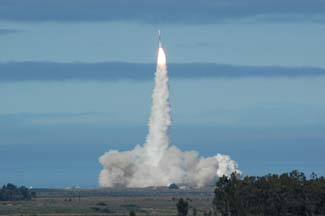 Delta-II launches Gravity-B probe from Vandenberg AFB on April 20, 2004