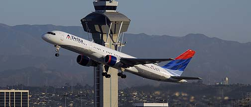 Air Traffic at Los Angeles International, November 29, 2007