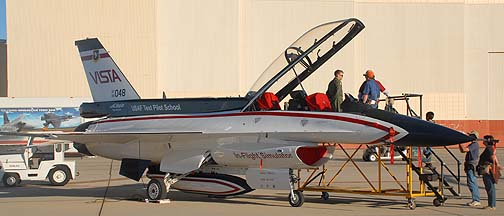 General Dynamics NF-16D 86-0048 VISTA