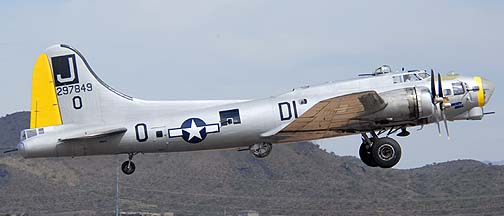 Boeing B-17G Flying Fortress N817BR Liberty Belle