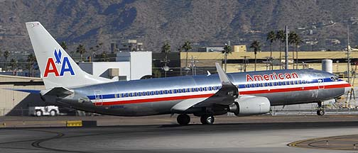 American Airlines Boeing 737-823 N808NN, November 10, 2010