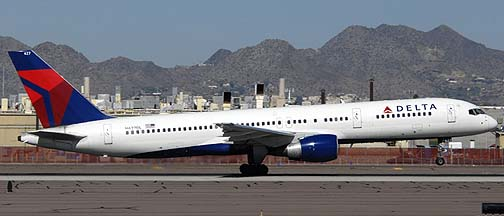 Delta Airlines Boeing 757-232 N627DL, November 10, 2010