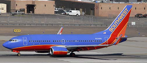 Southwest Boeing 737-7H4 N232WN, November 10, 2010