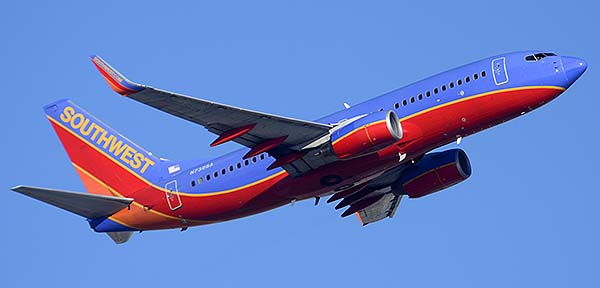 Southwest Boeing 737-7H4 N736SA, Phoenix Sky Harbor, December 22, 2014