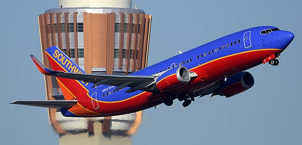 Southwest Boeing 737-3H4 N621SW, Phoenix Sky Harbor, December 22, 2014