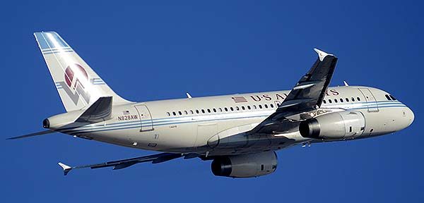 US Airways Airbus A319-132 N828AW America West heritage, Phoenix Sky Harbor, December 22, 2014