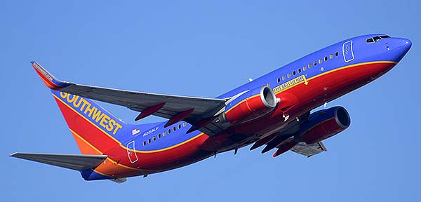 Southwest Boeing 737-7H4 N233LV, Phoenix Sky Harbor, December 22, 2014