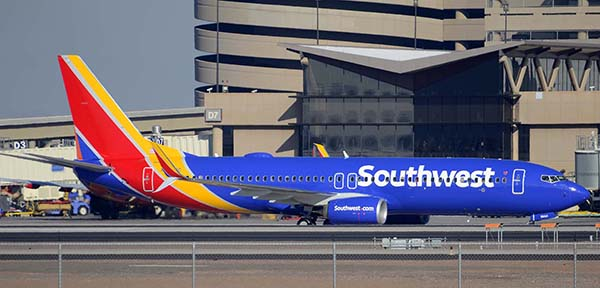 Southwest Boeing 737-8H4 N8644C, Phoenix Sky Harbor, December 22, 2014