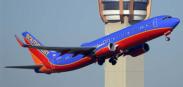 Southwest Boeing 737-8H4 N8318F, Phoenix Sky Harbor, December 22, 2014