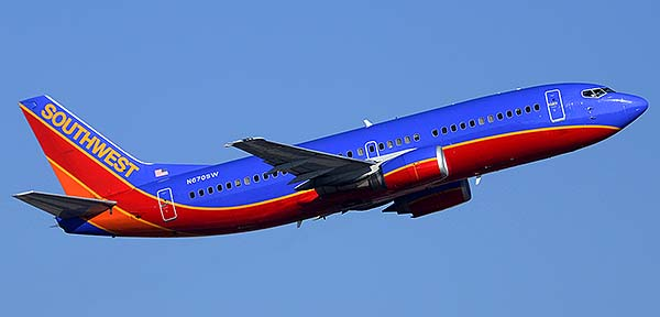Southwest Boeing 737-3G7 N670SW, Phoenix Sky Harbor, December 22, 2014
