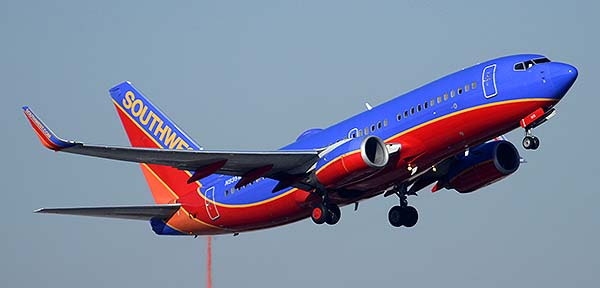 Southwest Boeing 737-7H4 N935WN, Phoenix Sky Harbor, December 22, 2014