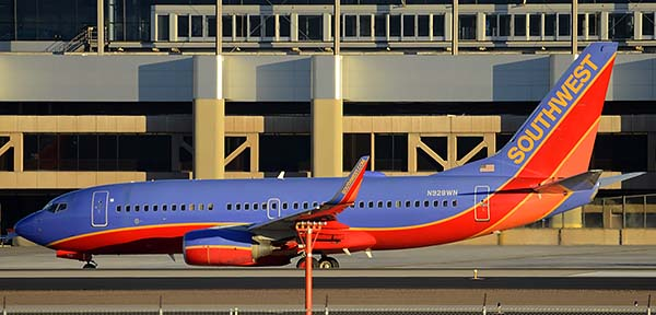 Southwest Boeing 737-7H4 N928WN, Phoenix Sky Harbor, December 24, 2014