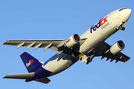 FedEx Express Airbus A300F4-605R N670FE, Phoenix Sky Harbor, December 24, 2014