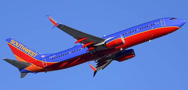 Southwest Boeing 737-8H4 N8635F, Phoenix Sky Harbor, December 24, 2014