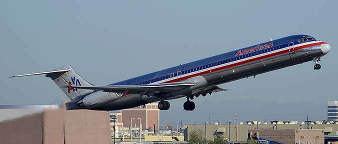 American McDonnell-Douglas MD-82 N585AA, Phoenix Sky Harbor, March 8, 2015