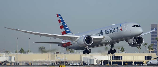 American Airlines' first Boeing 787-823 N800AN, Phoenix Sky Harbor, March 8, 2015