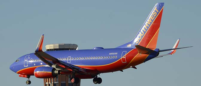 Southwest Boeing 737-7H4 N956WN, Phoenix Sky Harbor, December 27, 2015