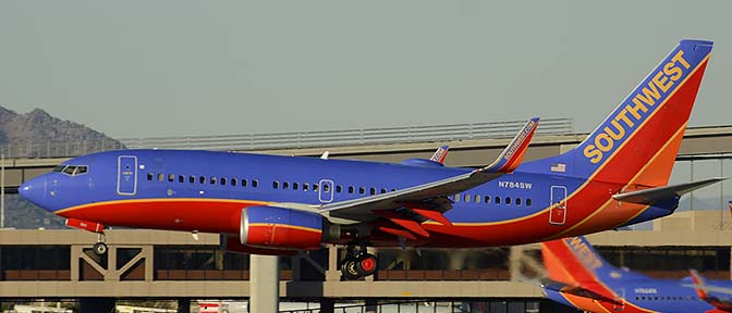 Southwest Boeing 737-7H4 N784SW, Phoenix Sky Harbor, December 27, 2015