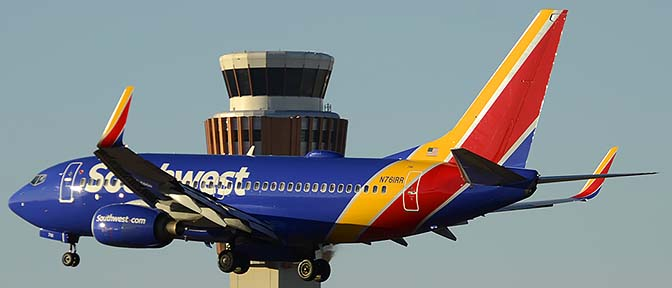 Southwest Boeing 737-7H4 N761RR, Phoenix Sky Harbor, December 27, 2015