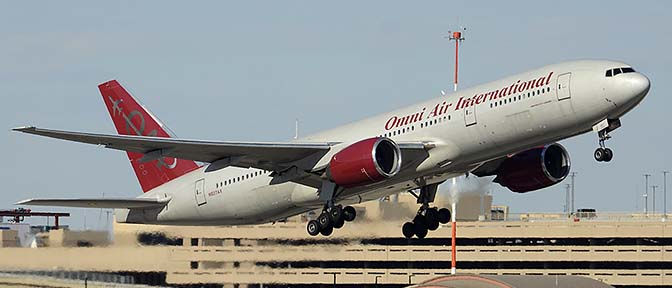 Omni Air International Boeing 777-222 N927AX , Phoenix Sky Harbor, January 3, 2015