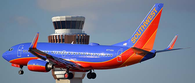 Southwest Boeing 737-7BD N7748A, Phoenix Sky Harbor, January 9, 2016