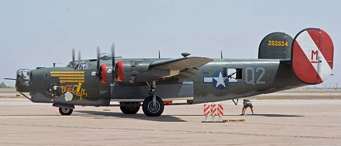 Consolidated B-24J Liberator N224J Witchcraft