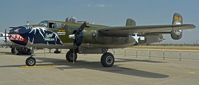 North American B-25J Mitchell N5672V Betty's Dream, April 29, 2016