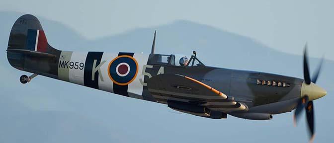 Supermarine Spitfire LF9C N959RT, April 29, 2016