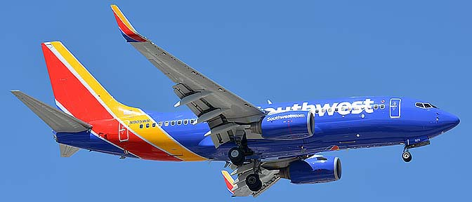 Southwest Boeing 737-7H4 N905WN, Phoenix Sky Harbor, September 25, 2016
