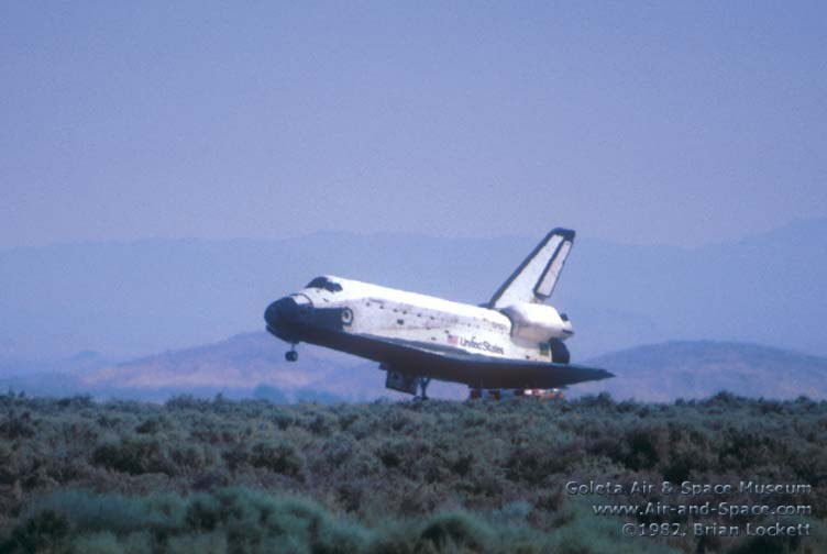 space shuttle landing july 4 1982 - photo #7